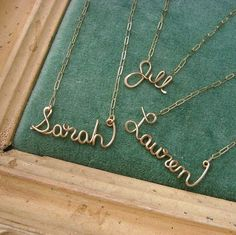 Gorgeous wire name lockets! Hmm, there's a use for all that copper wire I've got stashed in the tool cupboard. :)