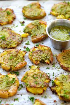 Garlic Pesto Smashed Potatoes - the best potatoes recipe ever with smashed baby potatoes topped with delicious garlic pesto. So good | rasamalaysia.com