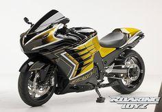 Siêu môtô Kawasaki ZX-14R mạ vàng 24K