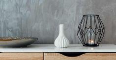 Luo teollisuustunnelmaa kotiin päällystämällä seinä mikrosementillä! Vanha lasikuitutapettiseinä tai vaikka kaakeli saavat täysin uuden ilmeen mikrosementillä. Dinnerware, Porcelain, Vase, Dreams, Home Decor, Dinner Ware, Porcelain Ceramics, Decoration Home, Tableware