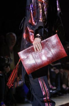 Hi everyone, Some snaps from Latest Accessories from Fashion Week NY and Milan. I love TOM FORD collection, each item is pure art. Spring 2014, Summer 2014, Gucci Spring, Handbag Accessories, Ready To Wear, Pure Products, Handbags, How To Wear, Fashion Design