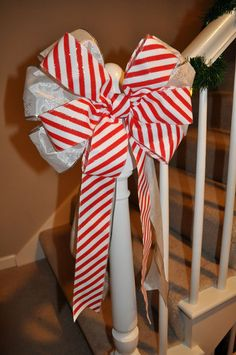 DIY Large bow tutorial. Gotta try this!