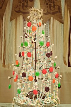 sucker tree with candy necklaces Wedding Candy, Diy Wedding, Wedding Events, Wedding Ideas, Sucker Tree, Christmas Trees, Christmas Holidays, 2nd Birthday, Birthday Parties