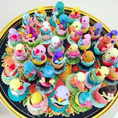 Needle felted chicks, delightful vintage style Easter party favors and basket fillers by Maria Paula Needle Felted Animals, Felt Animals, Needle Felting, Good Morning For Him, Easter Party, Kawaii Drawings, Vintage Fashion, Vintage Style, Vintage Flowers