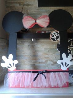 minnie+mouse+frame+photo+booth.jpg (720×960)