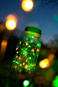 Bug Brightz Yellow / Green Catch the summer spirit! Get Glowing! Use these fu Twinkle Lights, Twinkle Twinkle, Bottles And Jars, Mason Jars, Indian Flag Colors, Floating Lanterns, All Of The Lights, Camp Wedding, Neon Party