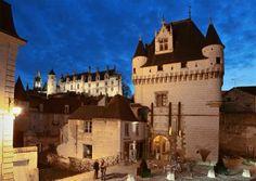 Loche, France Porte des Cordeliers et logis royal de loches