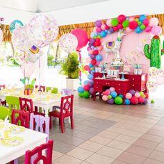 Llama fun #partywiththepartydot Kids Birthday Crafts, Slumber Party Birthday, Llama Birthday, Little Girl Birthday, 40th Birthday Parties, Baby First Birthday, Birthday Party Decorations, Party Activities, First Birthdays