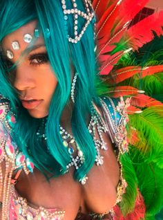Sorry, Coachella — The Best Beauty Looks Are At This Festival http://r29.co/2uLdGCx