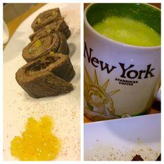 Frittatina di albumi con cacao, cannella e xilitolo farcita con marmellata di zenzero e limone, frullato di cetrioli, prezzemolo e zenzero. Fase 2.