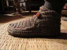 Would love these for winter at my computer table.  No wool, though.  Size 8-ish.