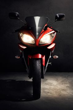 Concept Development, Creative Retouching for Yamaha R15
