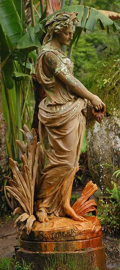 Statue - All For Garden Garden Urns, Garden Fountains, Outdoor Statues, Cemetery Art, My Secret Garden, Parcs, Garden Ornaments, Dream Garden, Water Features