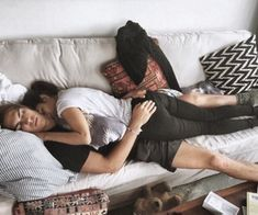 cute couple cuddling in bed Couple Goals Cuddling, Cute Couples Cuddling, Cute Couples Goals, Couple Goals Relationships, Relationship Goals Pictures, Gay Couple, Gay Romance, Couple Sleeping, Story Instagram