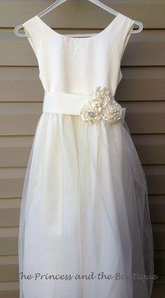 Ivory flower girl dress size 1T  child by Theprincessandthebou, $98.00