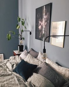 Stylish bedroom decor, mid-century and modern lighting pieces. Home Bedroom, Bedroom Wall, Bedroom Lamps, Bedroom Chandeliers, Bedroom Decor, Wall Lamps, Bedroom Lighting, Design Bedroom, Bedrooms