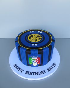 Inter Milan soccer cake Football Birthday Cake, Birthday Cupcakes, Birthday Parties, Milan, Soccer Cake, Hobbies, Party Ideas, Desserts, Food