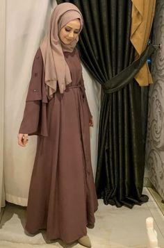 Abaya Style 24347654222642352 - Source by Muslim Dress, Hijab Dress, Hijab Outfit, Dress Outfits, Abaya Fashion, Modest Fashion, Fashion Clothes, Girl Fashion, Fashion Dresses