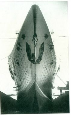 SS Normandie in dry dock Ss Normandie, Architecture Quotes, Provence France, His Travel, Water Crafts, Animal Design, Vintage Travel, Art Quotes, Vietnam