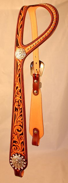 Headstalls | Kata Fay - Custom Leather