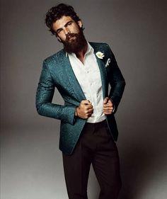 Dimitris Alexandrou by Alvaro Beamud Cortes for Vogue Spain - love the blazer Beard Model, Vogue Spain, Mein Style, Well Dressed Men, Beard Styles, Men Looks, Dress Codes, Gorgeous Men, Gq