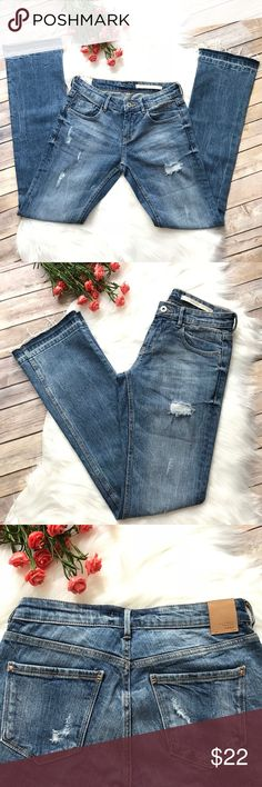 """Zara """"The Nomad"""" Boot Cut distressed jeans with frayed hem Medium wash Inseam 32"""" Front rise 8 1/2"""" Very Good Condition Zara Jeans Boot Cut"""