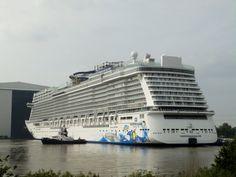 Uitgedokt 15 augustus 2015 onder grote publieke belangstelling  bij Meyer Werft te Papenburg van de NORWEGIAN ESCAPE en bestemd voor de Norwegian Cruise Line http://koopvaardij.blogspot.nl/2015/08/uitgedokt.html