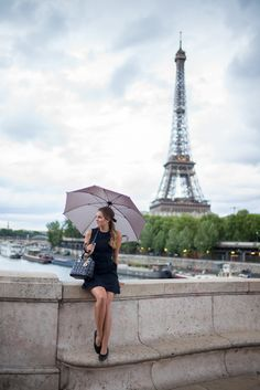 Little Black Dress In Paris Avenue des Camoens for best shots of Eiffel tower. Parisian chic | Parisian style | Parisian fashion | French chic | style | stylish | pregnant | pregnancy | maternity | mom to be