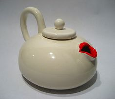 1970s-FITZ-AND-FLOYD-LIP-SERVICE-MARILYN-MONROE-CERAMIC-TEAPOT-SURREALIST-MODERN