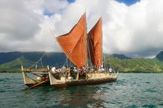 A Hawaiian Canoe Crosses the Oceans Guided by Sun and Stars