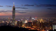 Photo 18:12 Taipei City par Pauzmantoll on 500px