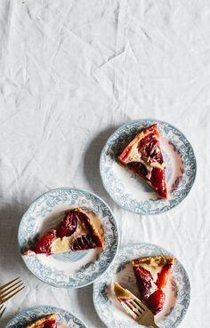 Plum Tart Tart Recipes, Sweet Recipes, Dessert Recipes, Slow Cooker Desserts, Sweet Pie, Sweet Tarts, Think Food, Love Food, Plum Tart
