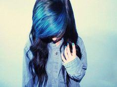 This is what I want my hair color to look like...black with a bright flash of blue