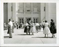 vintage everyday: 22 Interesting Photos of Baylor University Students, Texas From Between the 1940s and 1950s