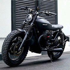 Cars Discover 68 new Ideas for retro bike moto guzzi Demo Ideas Guzzi Bobber, Guzzi V7, Scrambler Motorcycle, Moto Bike, Motorcycle Outfit, Motorcycle Helmets, Motorcycle Shop, Retro Motorcycle, Classic Motorcycle