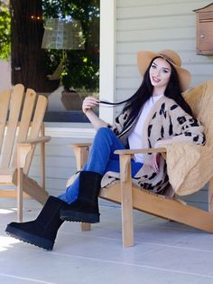 Retro inspired platform suede boots by BEARPAW