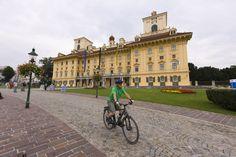 Mit dem Rad quer durchs Burgenland (Daniel Simon) Mansions, House Styles, Pictures, Bike Rides, Slovenia, Hungary, Vacation, Manor Houses, Villas