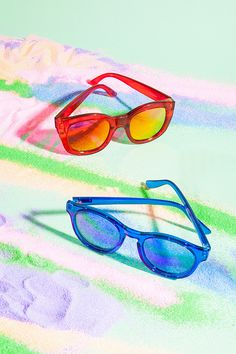 Le Specs Runaways Shades in Red  - Nasty Gal