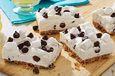 There's only one thing that could make a s'mores-and-cheesecake dessert better—and that's the fact that it's a no-bake recipe!