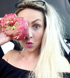 J U S T  H A V E  F UN! 🍩 As a little girl... Give me a donut and I have fun all morning ! #donuts #sweet #food #foodlover #littlegirl
