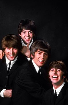 """The Beatles are a famous English band that originated in Liverpool, England. They became """"The Beatles"""" in 1960 and consisted of four very talented and incredibly influential musicians; John Lennon, Paul McCartney, George Harrison, and Ringo Starr. Foto Beatles, Les Beatles, Beatles Photos, John Lennon Beatles, Beatles Art, Beatles Gifts, Beatles Songs, Yoko Ono, Ringo Starr"""