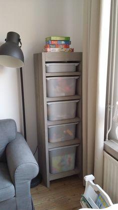 Een handige opbergkast voor het speelgoed van onze kinderen.. het is (bijna) altijd opgeruimd :)