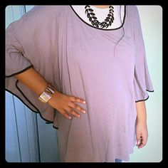 Top Butterfly sleeve top. Gray Tops