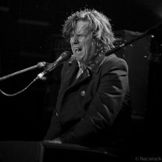 Steve Hogarth (Marillion) http://nacorock.tumblr.com/search/marillion