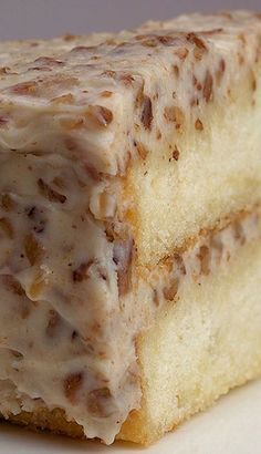 INGREDIENTS: FOR THE FROSTING: 2 tablespoons unsalted butter 1 & cups coarsely chopped pecans 11 ounces cream cheese, softened cup unsalted butter, softened 16 ounces confectioners' sug… Just Desserts, Delicious Desserts, Yummy Food, Healthy Food, Elegant Desserts, Healthy Recipes, Sweet Recipes, Cake Recipes, Dessert Recipes
