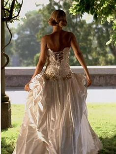 """beyonce best thing i never had wedding dress 