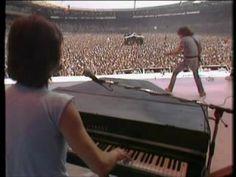 ▶ Status Quo - Caroline - Live Aid Wembley London 1985 : youtube:ihowell67 - YouTube