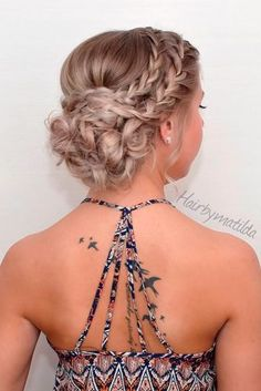 Prom Hair Styles To Look Amazing You need to be prepared for your special prom night. Let us pick you the most flattering prom hair styles.You need to be prepared for your special prom night. Let us pick you the most flattering prom hair styles. Dance Hairstyles, Holiday Hairstyles, Formal Hairstyles, Down Hairstyles, Pretty Hairstyles, Wedding Hairstyles, Amazing Hairstyles, Easy Hairstyles, Hairstyle Ideas