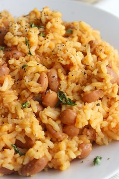 The Best Mexican Rice and Beans (Family Favorite!)-Simple Green Moms This recipe for Mexican Rice + Beans is super quick and simple. In fact, you can make this for lunc Side Dish Recipes, Rice Recipes, Mexican Food Recipes, Vegetarian Recipes, Dinner Recipes, Cooking Recipes, Healthy Recipes, Ethnic Recipes, Mexican Desserts