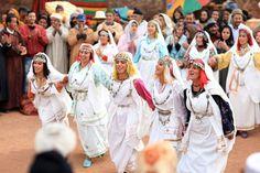 Selon un classement établi par le célèbre site américain (Ranker.com), les femmes marocaines sont les plus belles dans le monde arabe devant les tunisiennes, les syriennes, les libanaises et les égyptiennes. Toujours selon la même source, les femmes du Maroc occupent la 26ème place du classement s